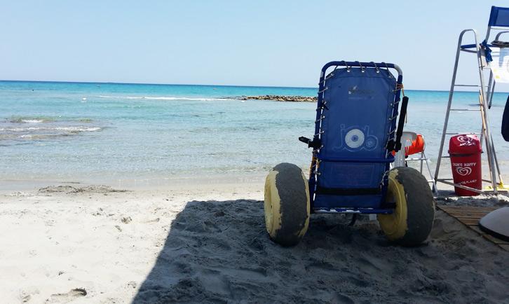 spiaggia per disabili puglia